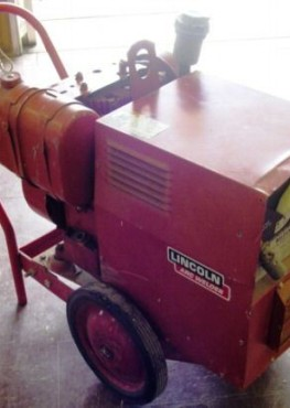 Lincoln-arc-welder-a-c-generator-150-amps-4500-watt-pic-no-